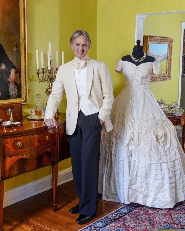 Monte durham star of say yes to the dress coming to rva for Wedding dress shops durham
